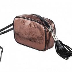 Bolsa de ombreiro, a Amalia rosa, en eco-coiro, madeira laminada